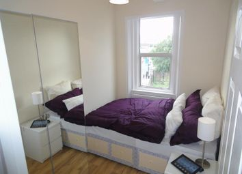 Thumbnail 4 bed flat to rent in Peckham High Street, Peckham