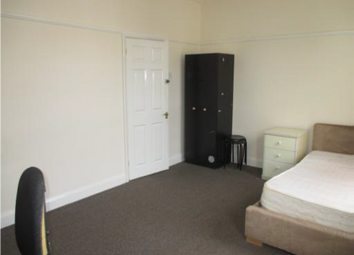 Thumbnail 4 bedroom property to rent in Easton Street, High Wycombe