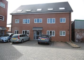 Thumbnail 2 bed flat to rent in Chatsworth Road, Chesterfield