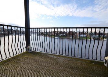 Long Beach View, Eastbourne BN23. 2 bed flat for sale
