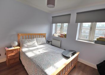 Thumbnail 2 bed flat to rent in Anderson Square, Islington, London