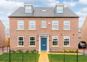 Thumbnail 5 bed detached house for sale in Swallow Drive, Warwick, Warwickshire