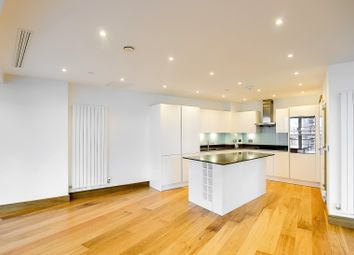 Thumbnail 3 bedroom flat to rent in 25 Crossharbour Plaza, Canary Wharf, London