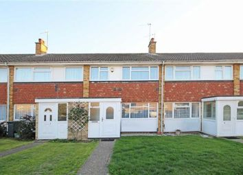 2 bed maisonette to rent in Channel Close, Heston TW5