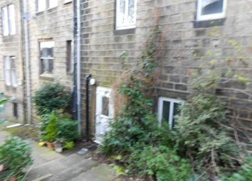 Thumbnail 2 bed flat to rent in Town Street, Yeadon, Leeds