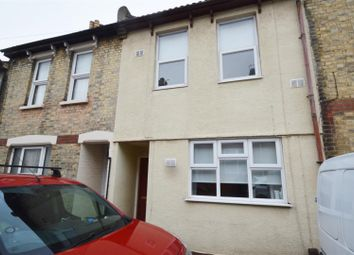 3 bed property to rent in Ingle Road, Chatham ME4