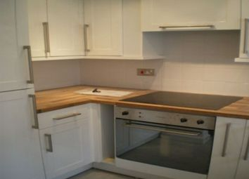 2 bed flat to rent in Oakfield Grove, Clifton, Bristol BS8