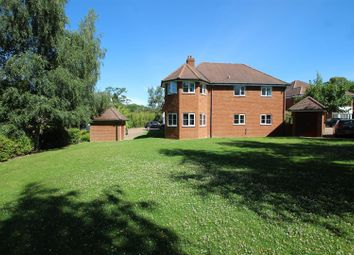 2 bed flat for sale in Ridge Way, High Wycombe HP13