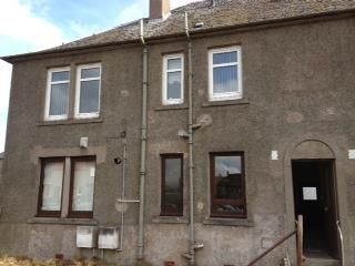 Thumbnail 2 bedroom flat to rent in Castle Street, Clackmannan