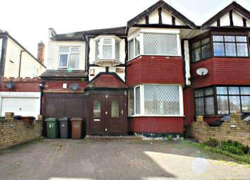 Thumbnail 5 bed property to rent in Larkshall Road, London