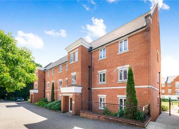 The Comptons, Comptons Lane, Horsham RH13. 2 bed flat for sale