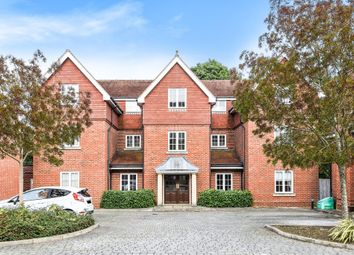 Thumbnail 3 bed flat for sale in Wychwood Place, Winchester