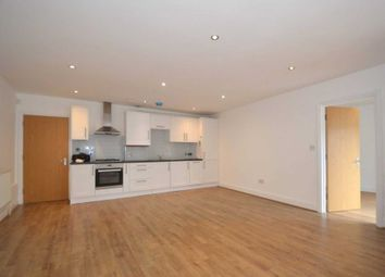 3 bed flat to rent in Hadley Parade, High Street, Barnet EN5