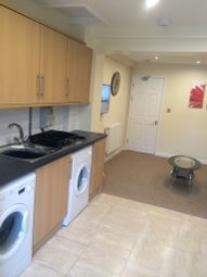 Thumbnail Room to rent in Davenham Close, Swindon