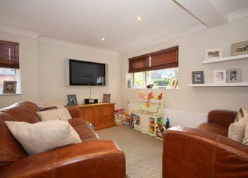 Thumbnail 2 bed property for sale in Ideal Location For Train Station, Garage And Parking, Boxmoor