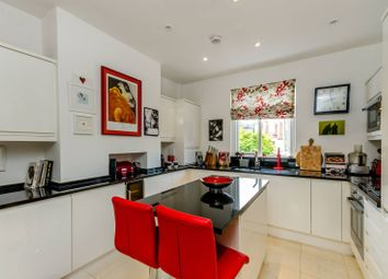 Thumbnail 2 bed flat to rent in Rotherwood Road, West Putney