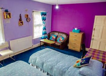 Thumbnail 5 bedroom terraced house to rent in Godwin Rd, Forest Gate