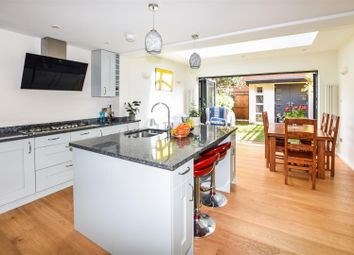 4 bed property for sale in Heathfield Drive, Mitcham CR4