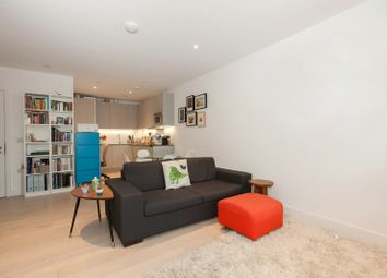 Thumbnail 1 bed flat to rent in Cobalt Place, Battersea