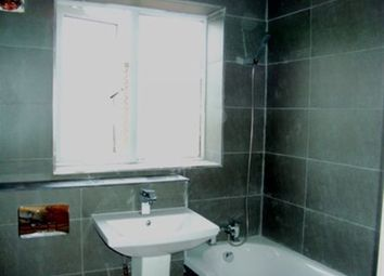 Thumbnail 3 bedroom flat to rent in Swan Court, Swan Lane, Stoke, Coventry