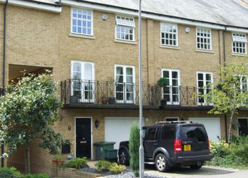 4 bed town house to rent in De Havilland Drive, Hazlemere, High Wycombe HP15