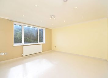 Thumbnail 3 bed flat to rent in Lordship Lane, Wood Green
