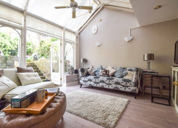 Thumbnail 1 bed flat to rent in Warwick Gardens, London