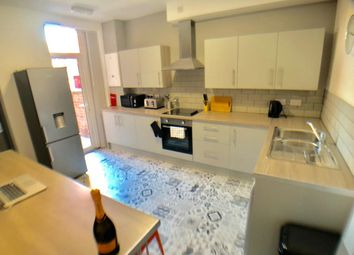 Thumbnail 5 bed shared accommodation to rent in Rockingham Road, Doncaster, Wheatley
