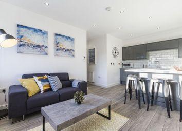 3 bed flat to rent in Woodsley Road, Hyde Park, Leeds LS2