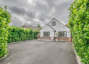 Thumbnail 4 bed detached house for sale in Rosehill Close, Hoddesdon