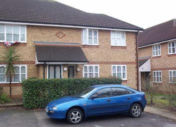 2 bed maisonette to rent in Worcester Gardens, Slough SL1
