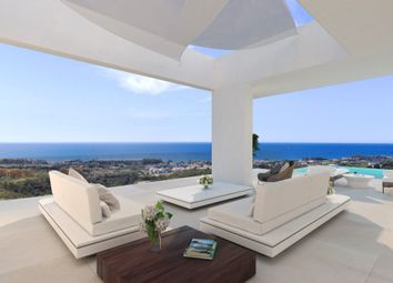 Thumbnail 5 bed villa for sale in Spain, Málaga, Estepona, Selwo