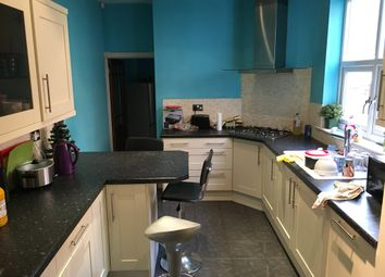 Thumbnail 5 bed terraced house to rent in Cross Road, Leicester