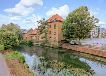 Thumbnail 2 bed flat for sale in Shaftesbury Quay, Hertford