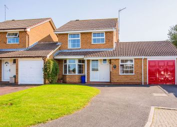 3 bed link-detached house to rent in Willow Drive, Buckingham MK18