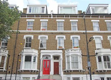 Thumbnail 2 bed flat to rent in Gratton Road, London