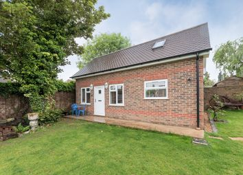 Thumbnail 1 bed property to rent in Nightingale Road, Rickmansworth