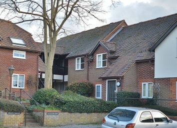 Thumbnail 2 bed flat to rent in Rooks Lane, Thame