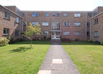 Bicester Road, Kidlington OX5. 2 bed flat