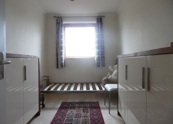 Thumbnail 1 bed property to rent in Meridian Place, London