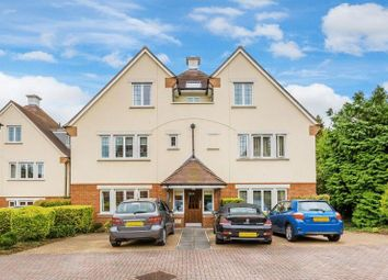 2 bed flat for sale in Hill View, Dorking RH4