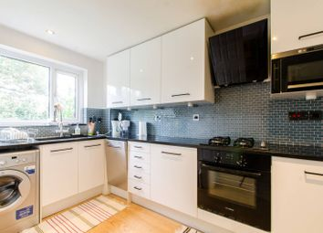 3 bed property to rent in Gomm Road, Bermondsey, London SE16