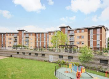 2 bed flat to rent in Kelvin Gate, Bracknell RG12