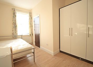 Thumbnail Room to rent in Sunnycroft Road, Hounslow