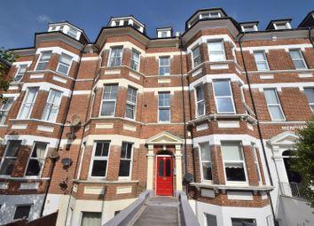 Jevington Gardens, Eastbourne BN21. 2 bed flat