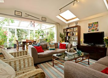 Thumbnail 3 bed flat to rent in Dornton Road, London