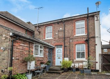 Thumbnail 3 bedroom flat for sale in Stratford House, Queens Street, Tring