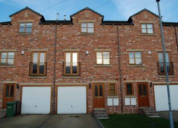Thumbnail 3 bed town house to rent in Beaumont Street, Stanley, Wakefield