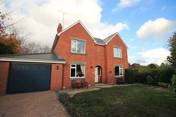 Thumbnail 4 bed detached house to rent in Gipsy Lane, Warminster, Wiltshire