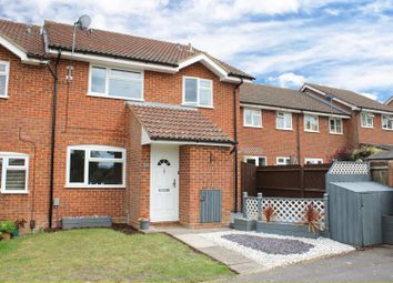 2 bed property for sale in Ryves Avenue, Yateley GU46